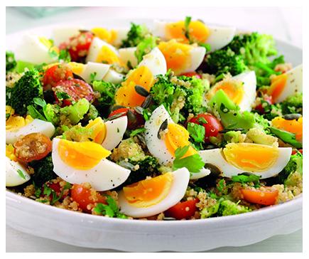 Quinoa and egg salad with broccoli & seeds